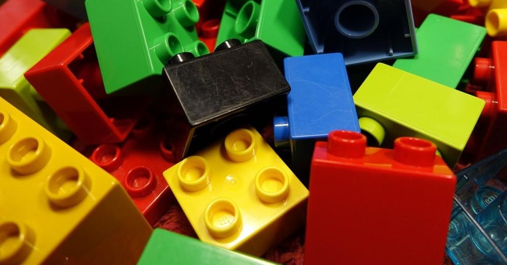 Lego will schneller auf Plastikverpackungen verzichten
