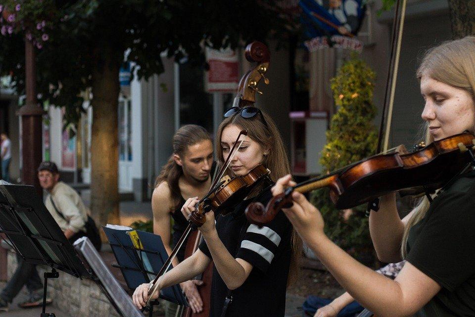Balkon-Konzerte für Menschen mit Behinderung
