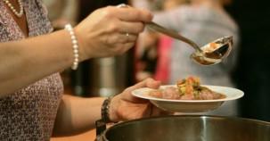 Berlin: Suppenküche für Obdachlose