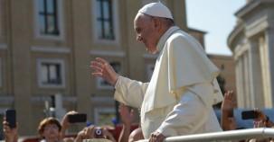 Papst Franziskus nimmt gleichgeschlechtliche Liebe in Schutz