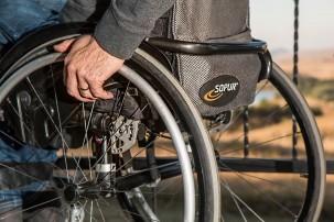 Off-Road Rollstuhl jetzt in Serie